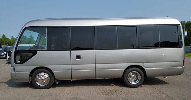 サンライフレンタカーのバスコン「トヨタコースター」