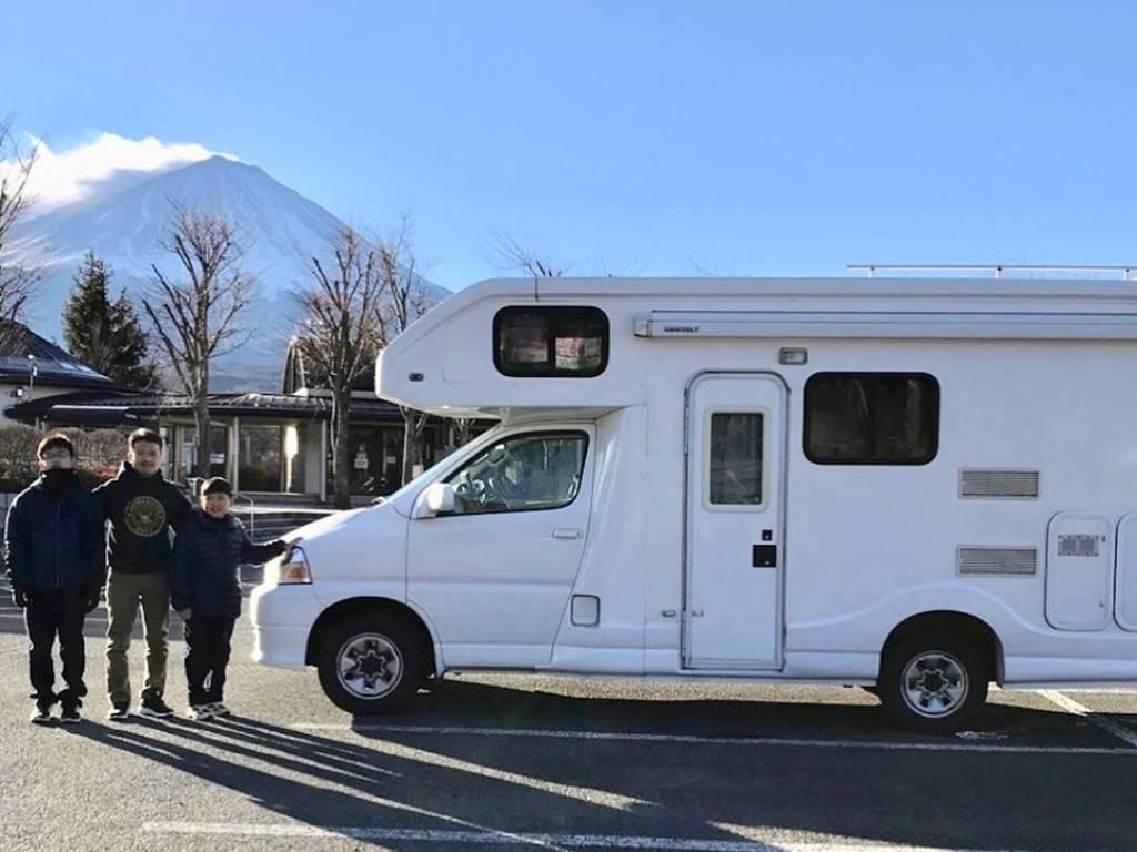 CAMP IN CAR 岐阜ガレージ基地のキャンピングカー