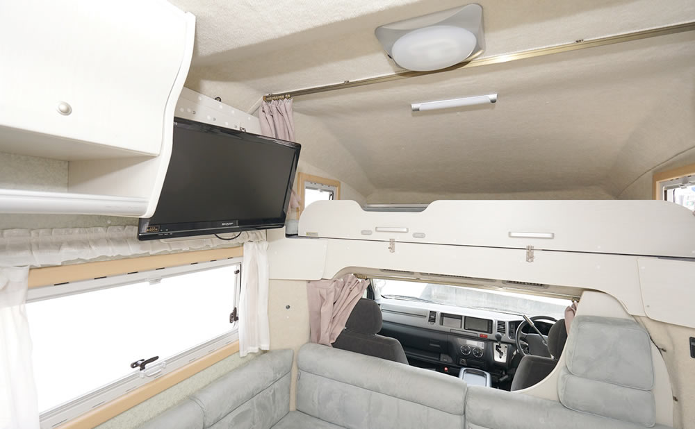 Van Life Rent a car(バンライフレンタカー) 大阪店のキャンピングカー「パタゴニア」
