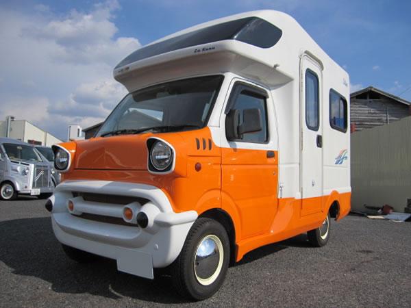 かわいいキャンピングカーの軽キャンピングカー「ラクーン、テントむし」
